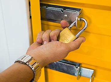 segurança self storage
